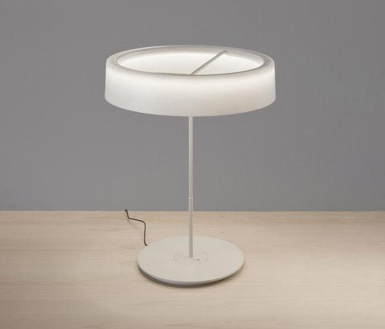 Sin L  | Table Lamp de Santa & Cole | Luminaires de table