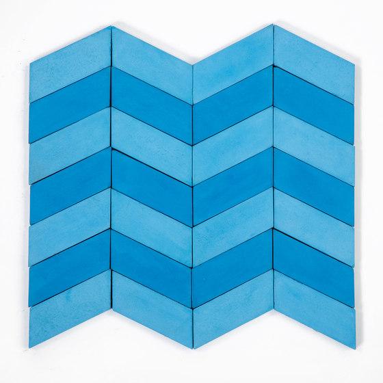 Long-Chevron-Waves-blue-sky di Granada Tile   Piastrelle cemento