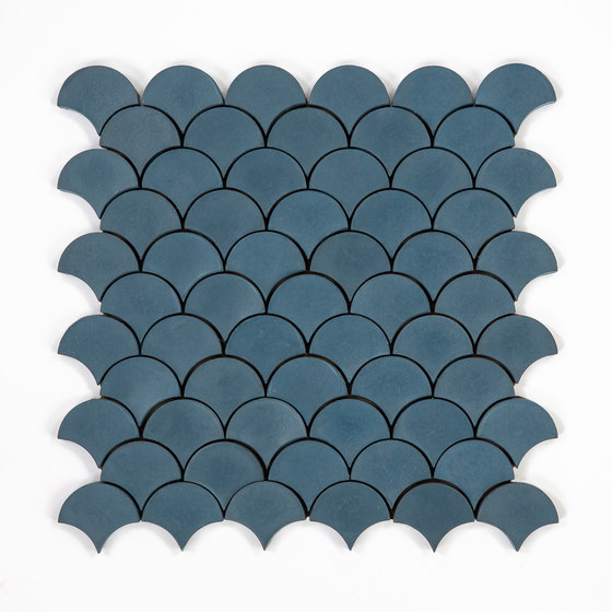Scale-midnight by Granada Tile | Concrete tiles