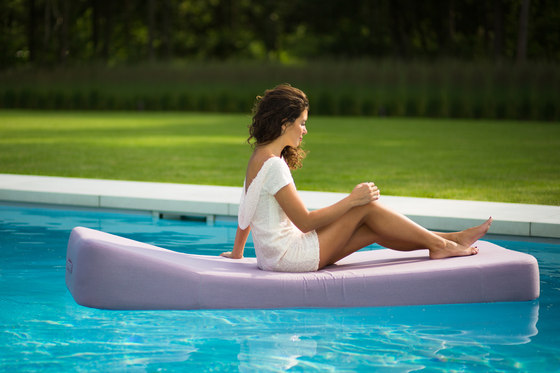Jackie | floating lounger extra soft by Mr Blue Sky | Sun loungers