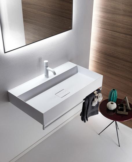 Quattro.Zero Bathroom accessories by Falper | Towel rails