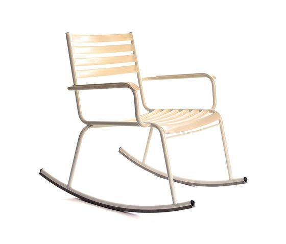 Schaukelstuhl 7 a garden chairs from manufakt architonic for Schaukelstuhl zeichnen