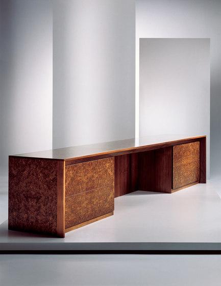 Tantus | Credenza de Cumberland Furniture | Bureaux