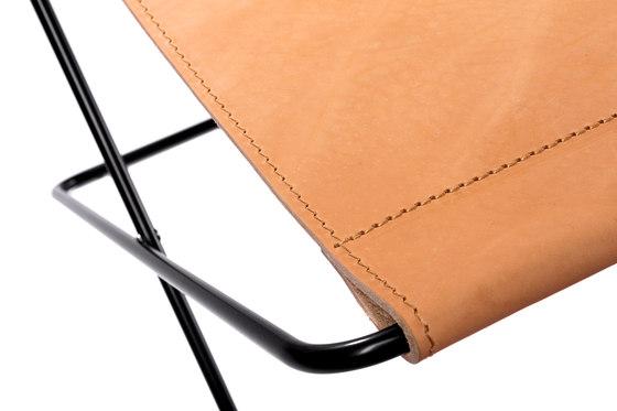 Hardoy | Footrest Saddle Leather de Manufakturplus | Mesas auxiliares