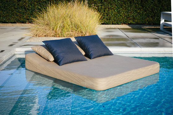 Jackie | floating lounger twin by Mr Blue Sky | Sun loungers