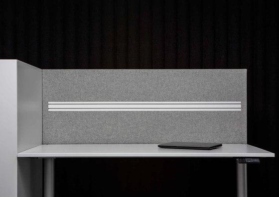 AGORAdesk   Akustische Einhausung mit Funktionsleiste von AGORAphil   Tischpaneele