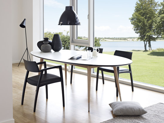 GM 9942 I 9952 Table by Naver Collection | Dining tables