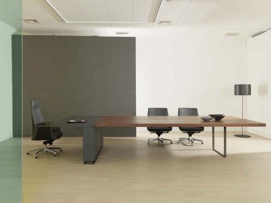 Deck   Meeting Table von Estel Group   Objekttische