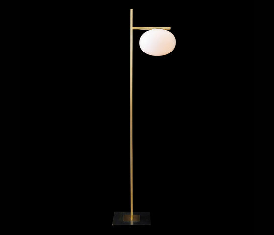 Alba | 382 by Oluce | Free-standing lights