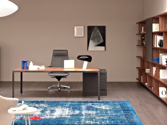 More | Single Desk di Estel Group | Scrivanie individuali