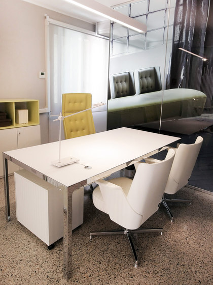 More | Single Desk di Estel Group | Scrivanie