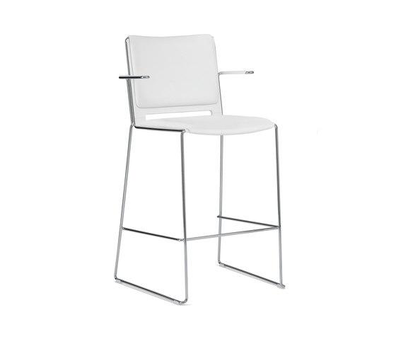 laFILÒ SOFT STOOL WITH ARMS by Diemmebi | Bar stools