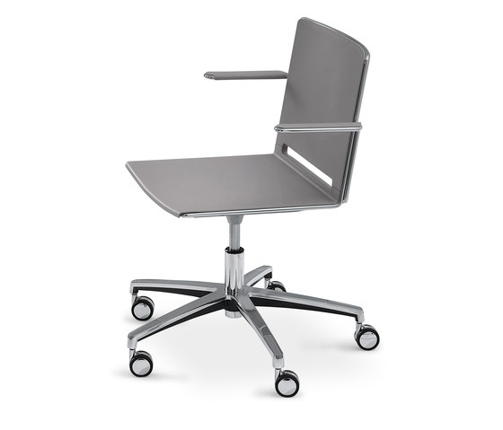 laFILÒ TASK CHAIR WITH ARMS by Diemmebi | Office chairs