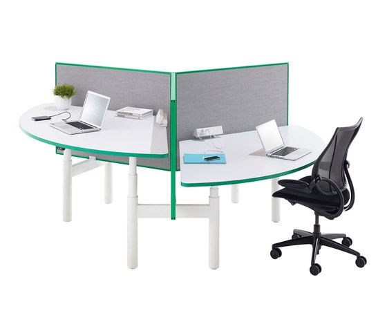 Krossi Workstation de Schiavello International Pty Ltd   Separadores de mesa