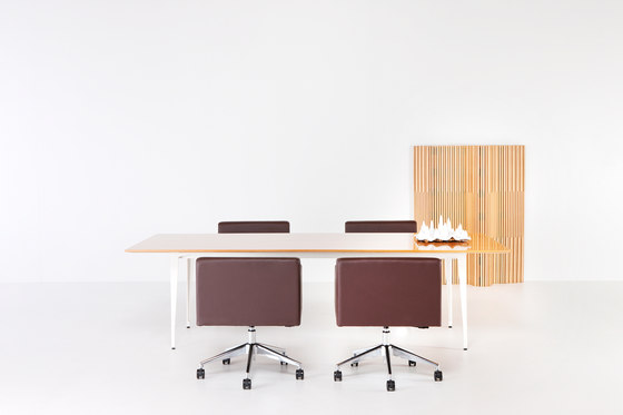 Starlite Table by Schiavello International Pty Ltd | Individual desks