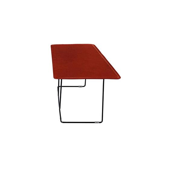 Tango Table di Schiavello International Pty Ltd | Tavolini alti