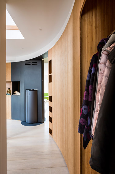 Curve Wood | Wardrobe by Jo-a | Cloakroom cabinets