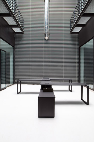 Bat Office von AKABA | Tischsysteme