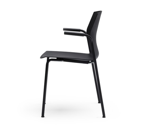 Kabi | 4 legs by AKABA | Chairs