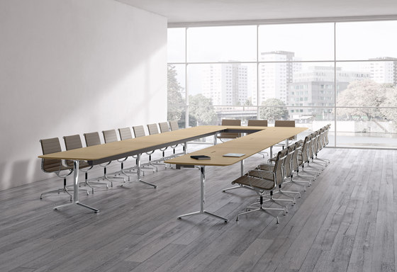 Talk conference table by RENZ | Contract tables