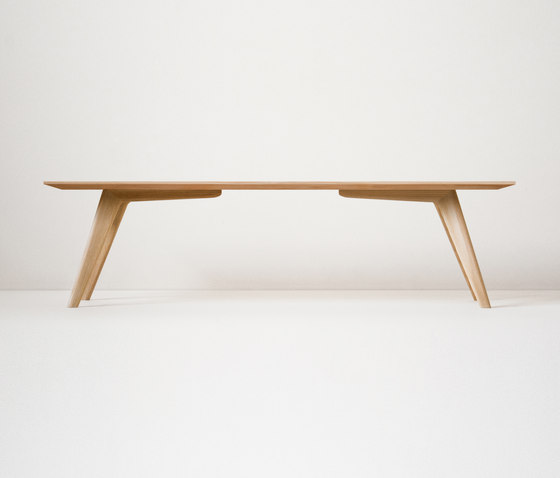 Zug by ondo | Dining tables