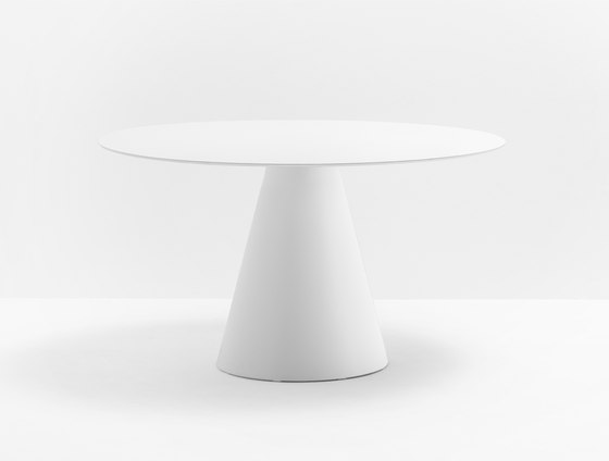 Ikon 869 by PEDRALI | Dining tables