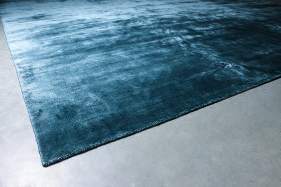 Lay on You – MONO Petrolio Carpets by GIOPAGANI | Rugs / Designer rugs