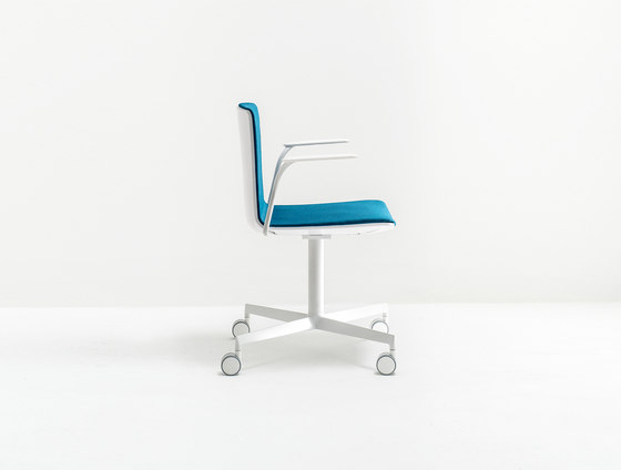 Noa 728 by PEDRALI | Chairs