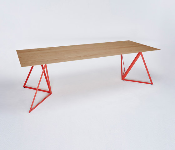 Steel Stand Table - coral red/ oak by NEO/CRAFT | Dining tables