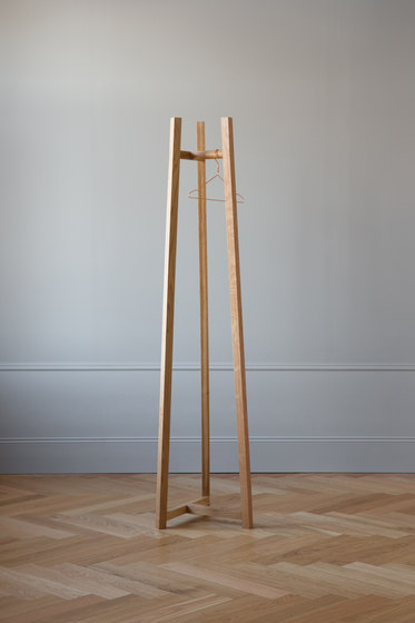 Lonna coat stand | Small de Made by Choice | Porte-manteau