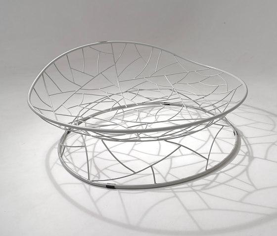 Big Basket Daybed on base stand de Studio Stirling | Sièges en îlot