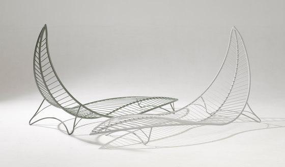 Leaf Chair on base stand de Studio Stirling | Tumbonas