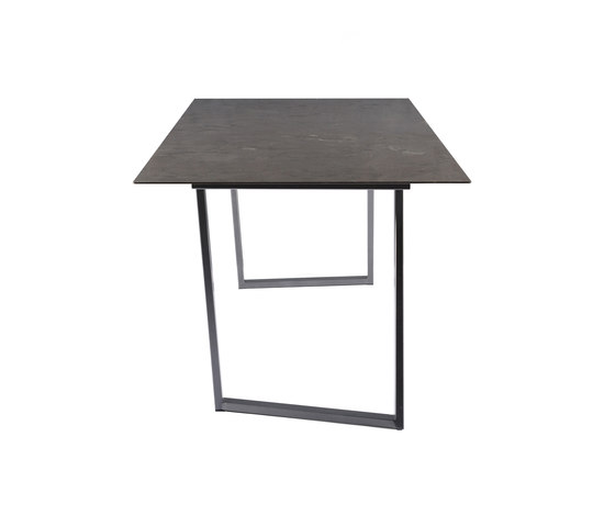 Dritto Dining Table 220 x 90 cm de Salvatori | Tables de repas