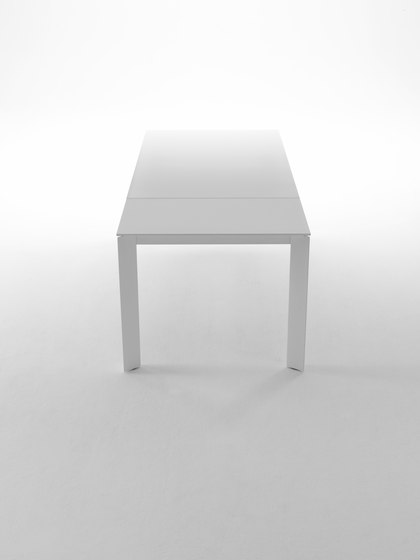 Ghedi by Midj | Conference tables