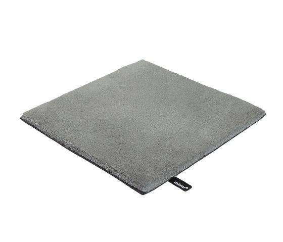 Tribes 16 neutral grey von Miinu | Formatteppiche
