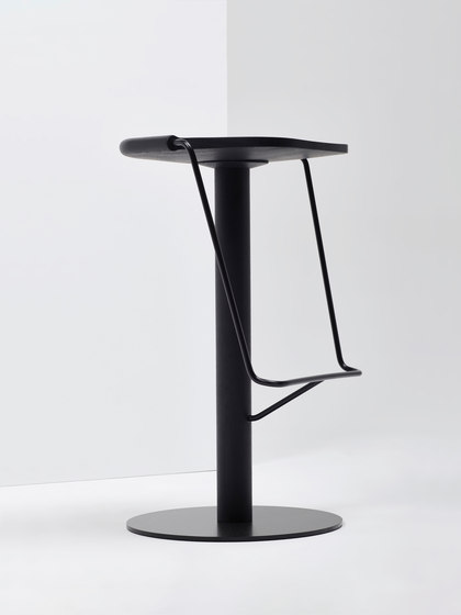 Uncino | MC9 by Mattiazzi | Bar stools