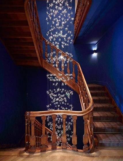 Flower Bespoke Staircase di Windfall   Lampadari