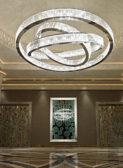 Jewel 3 300 by Windfall | Suspended lights