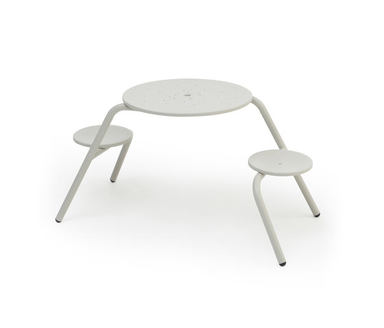 Virus 2-seater by extremis | Tables and benches