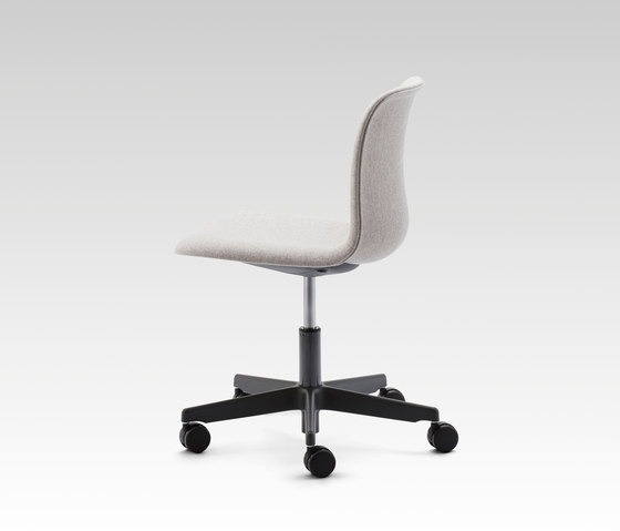 SixE swivel by HOWE | Office chairs