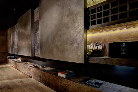 Leather wall by Freund | Wall coverings / wallpapers