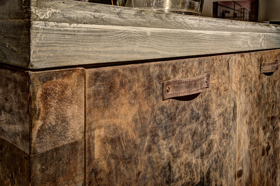 Leather furniture by Freund   Natural leather