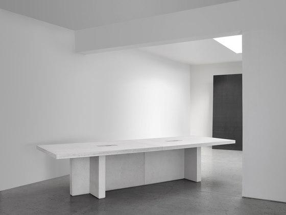 Edition Table Configuration 1 von Isomi | Objekttische