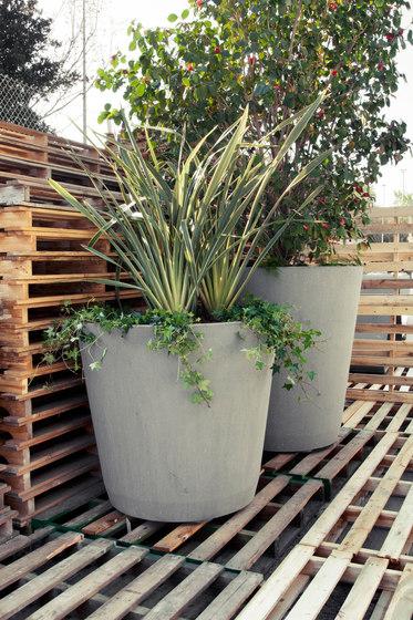 Conica by Escofet 1886 | Plant pots