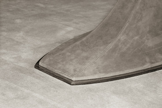 Hubert by Longhi S.p.a. | Dining tables