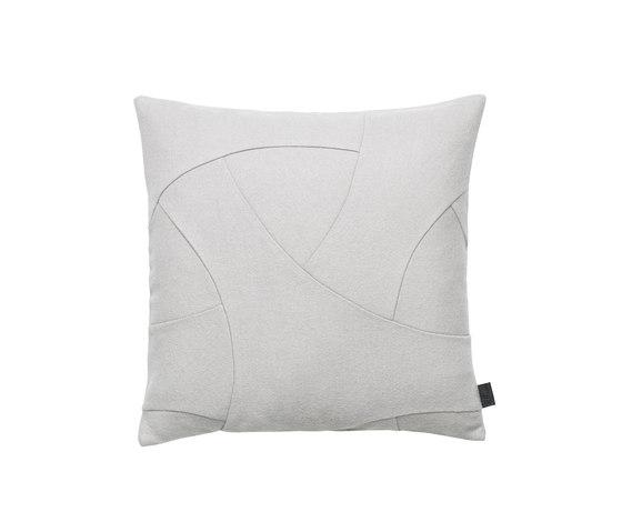 Flow Cushion Hero 50x50 von by Lassen | Kissen
