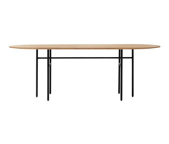 Snaregade Dining Table | Oval de MENU | Tables de repas