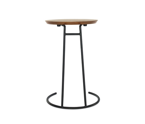 T.710 Small Side Table de Design Within Reach | Mesas auxiliares