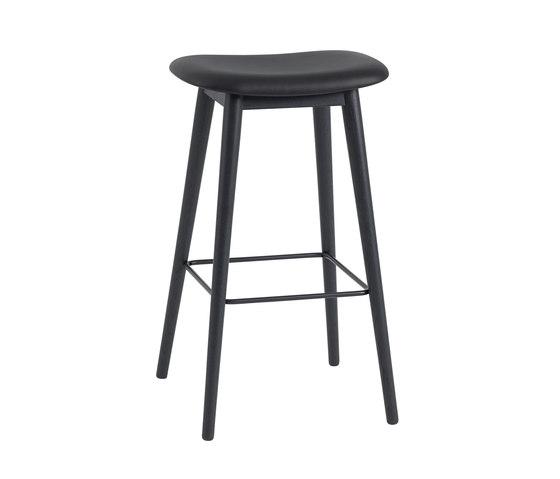 Fiber Bar Stool | wood base - black leather by Muuto | Bar stools