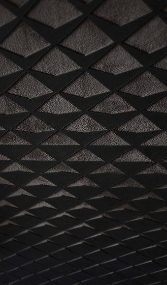Isa | Lattice by Pintark | Natural leather